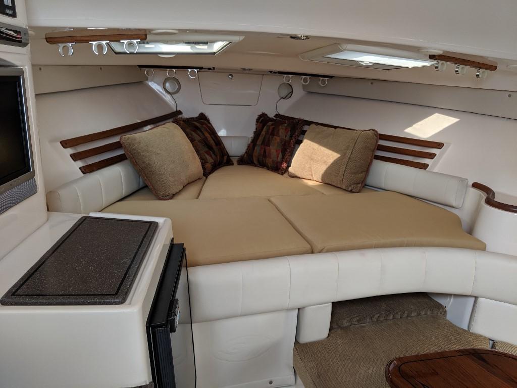 Grady-white 330 Express - Cabin 1
