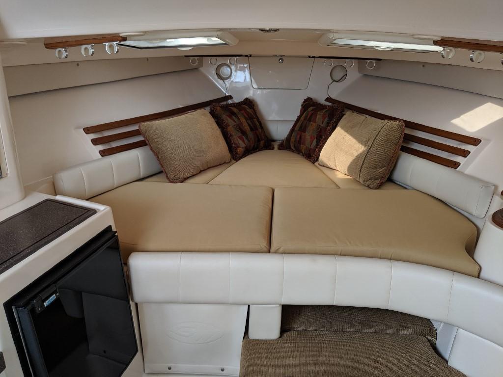 Grady-white 330 Express - Cabin 4