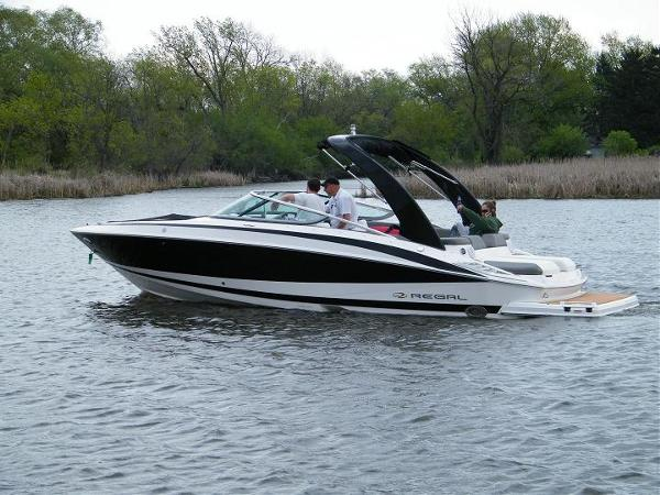 2011 Regal 2500 Bowrider For Sale