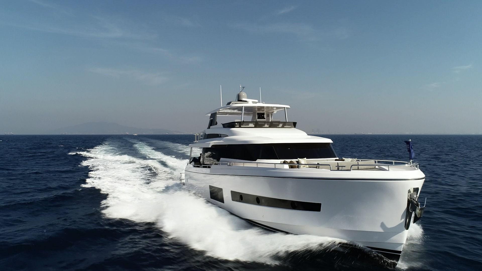 V68 Hull 2
