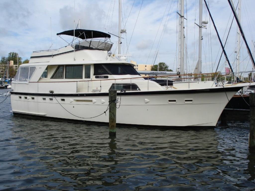 Used hatteras yachts for sale from 50 to 60 feet for Used motor yacht for sale