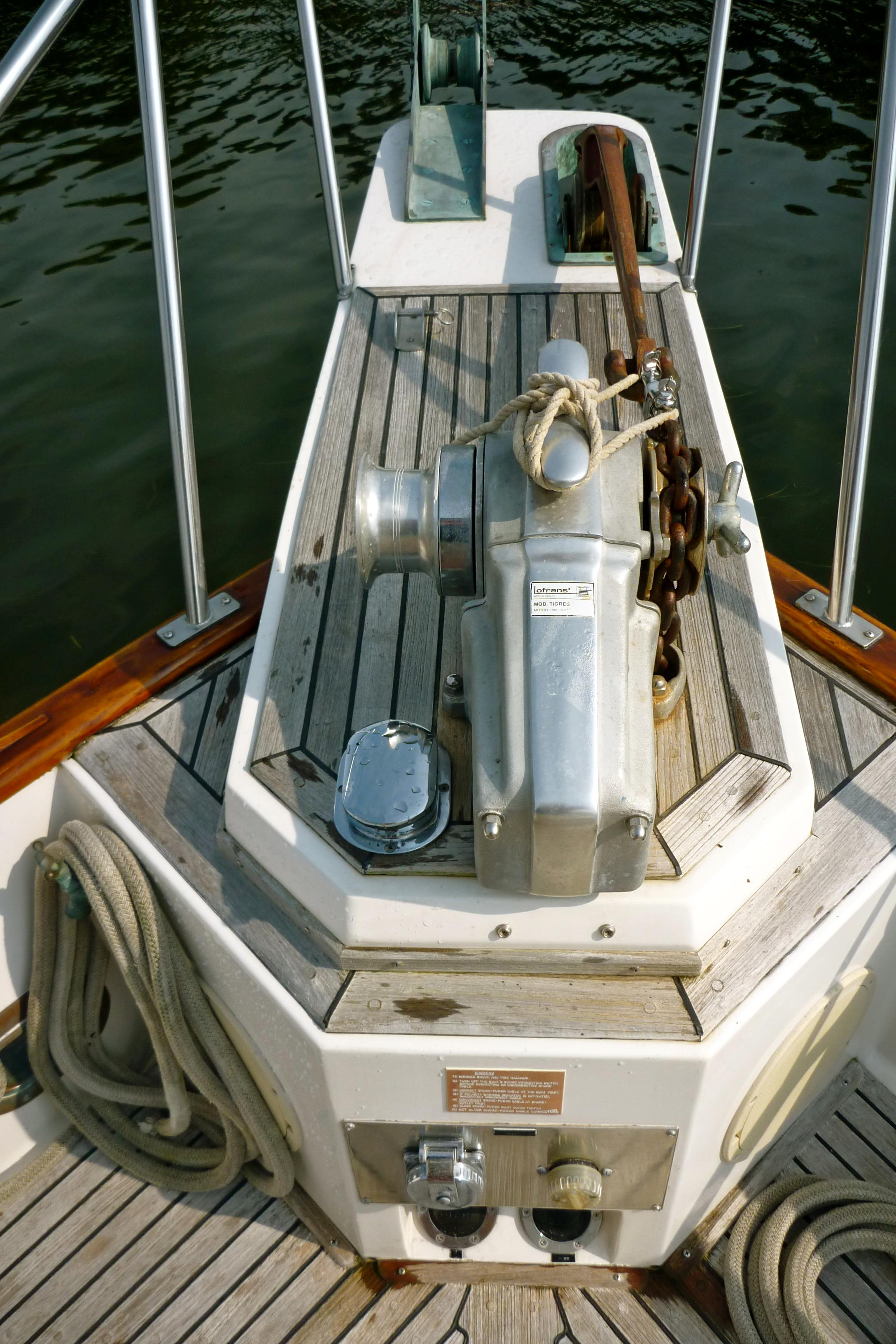 Pulpit and windlass