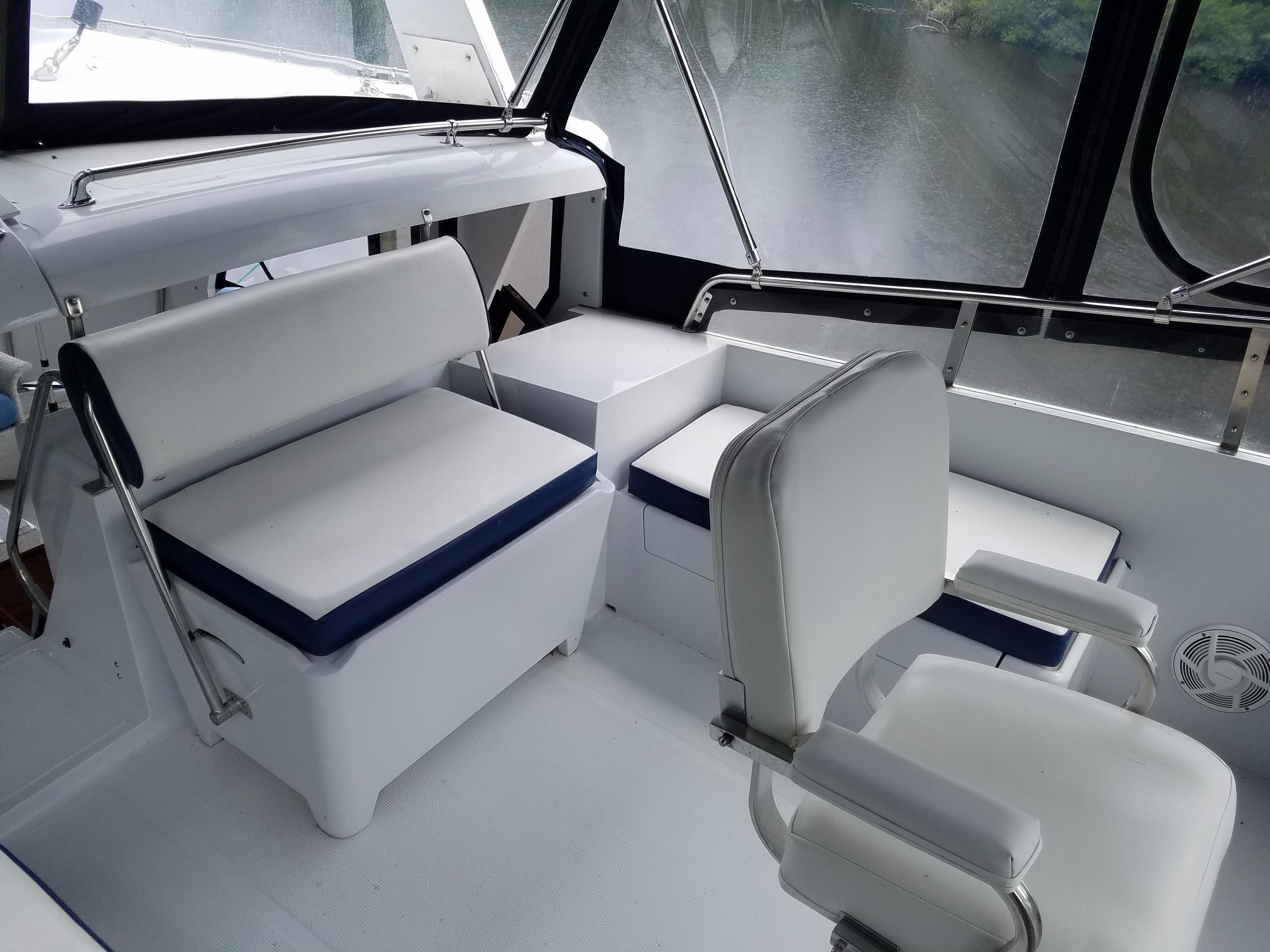 Hi-Star 48 helm and passenger seat