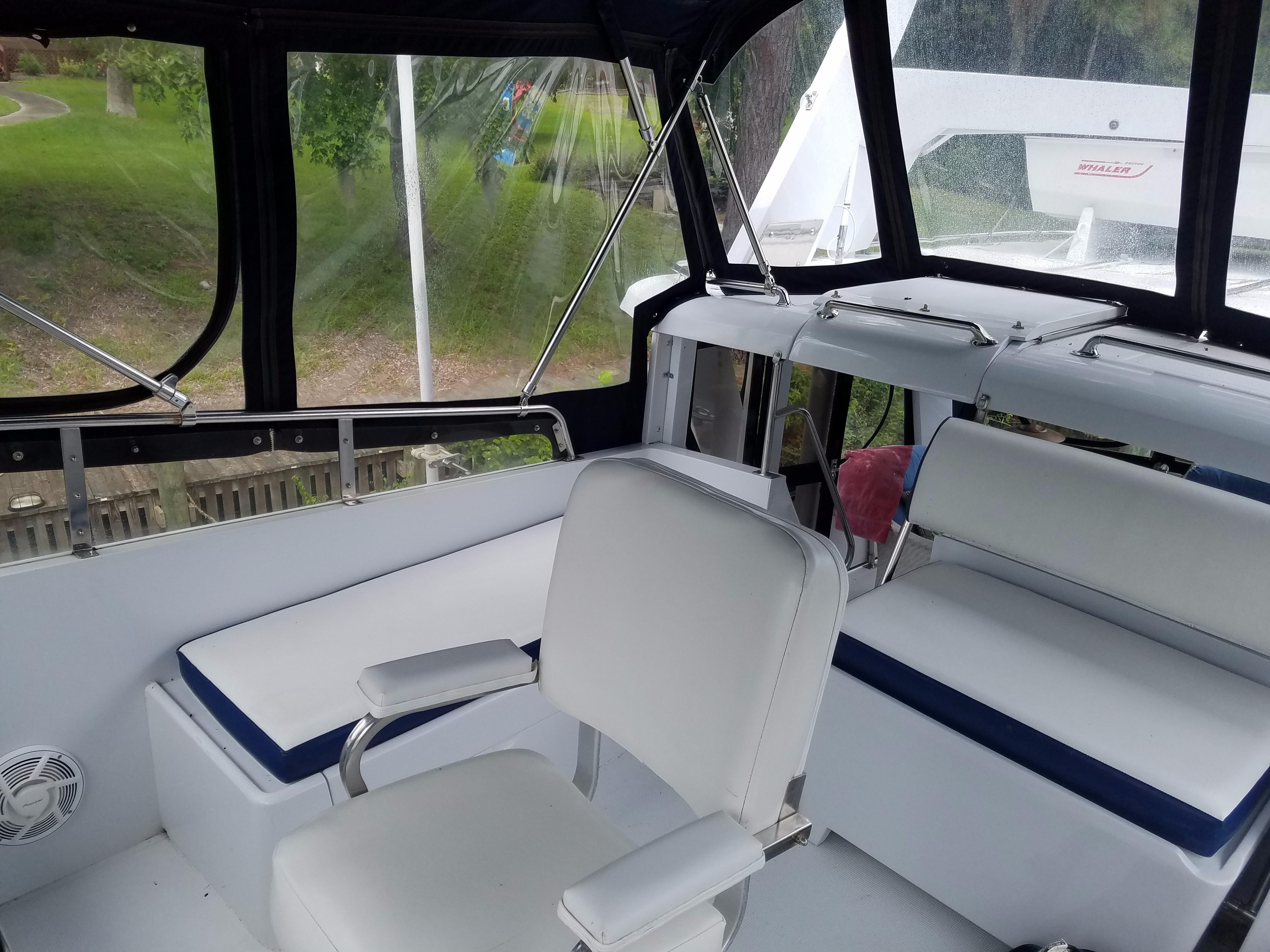 Hi-Star 48 helm and bench seat