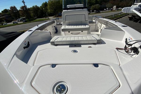 2019 Yamaha boat for sale, model of the boat is 190 FSH Deluxe & Image # 2 of 4