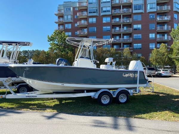 2021 Mako boat for sale, model of the boat is 214 CC & Image # 1 of 10