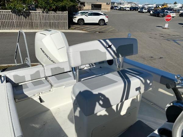 2021 Mako boat for sale, model of the boat is 214 CC & Image # 10 of 10