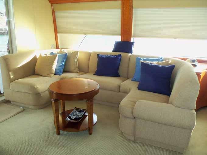 Salon Sofa to Port