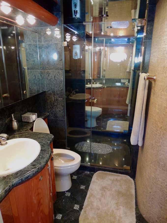 Master Head Center Shower