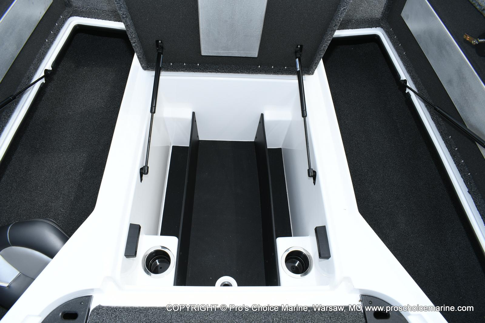 2020 Nitro boat for sale, model of the boat is Z18 & Image # 19 of 50