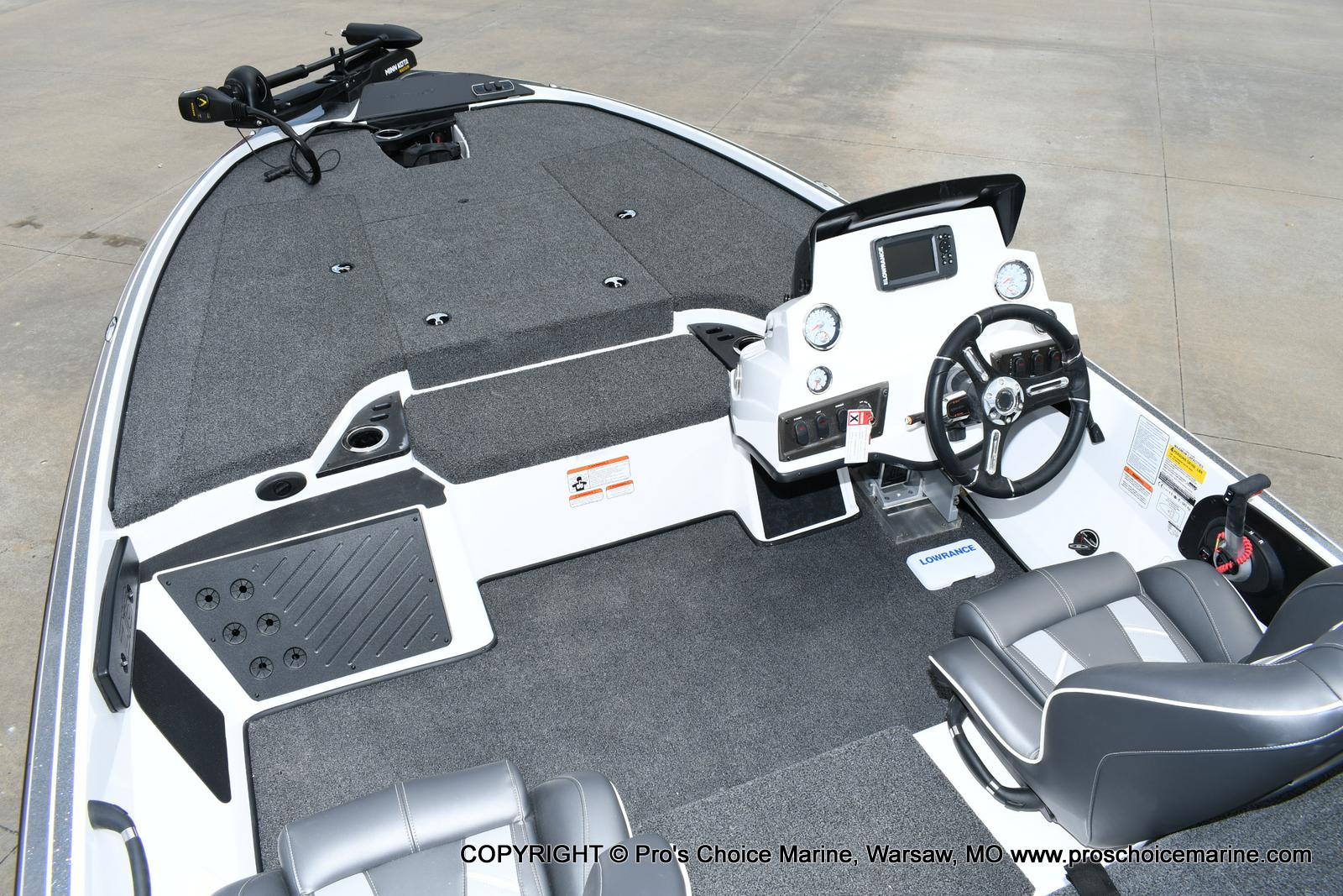 2020 Nitro boat for sale, model of the boat is Z18 & Image # 25 of 50