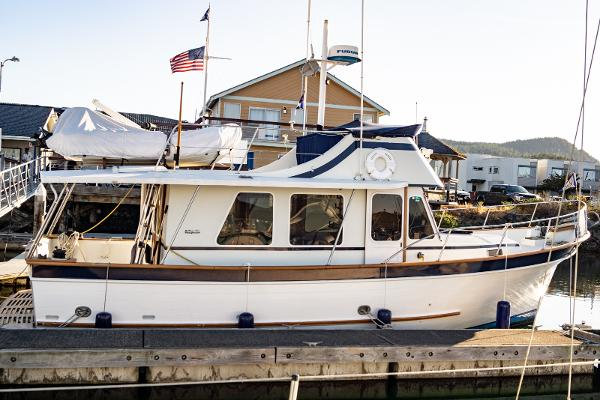 Picture Of:  34' DeFever 34 1976Yacht For Sale | 3 of 46