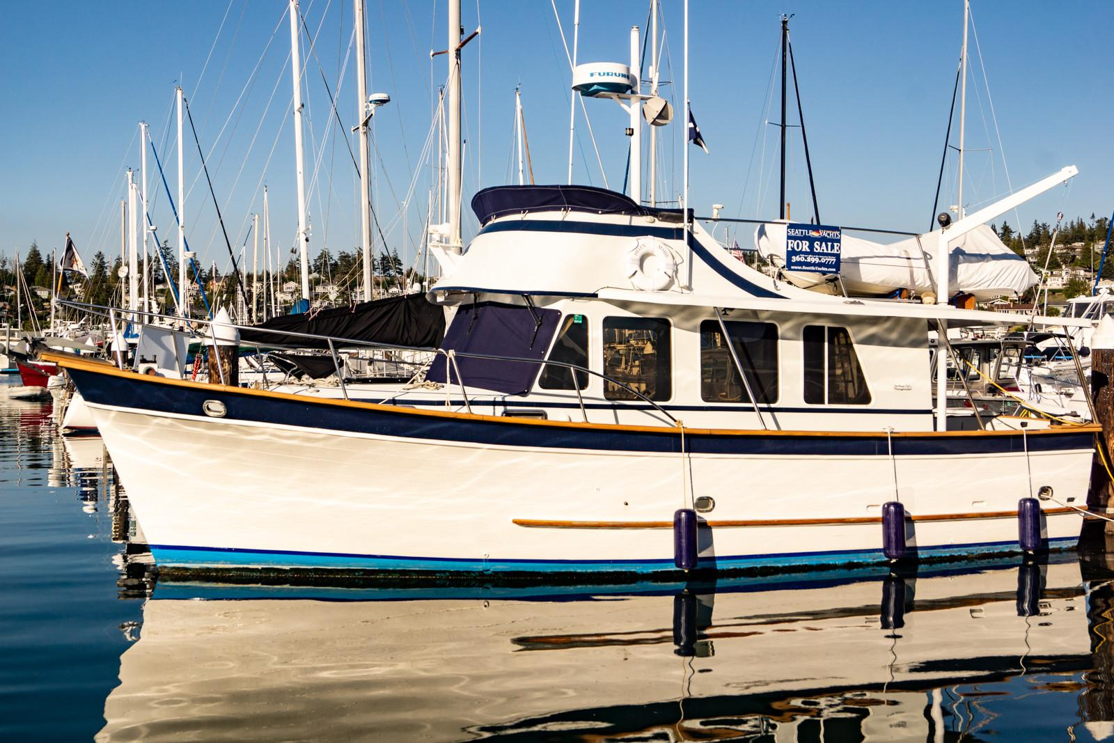Picture Of:  34' DeFever 34 1976Yacht For Sale | 46
