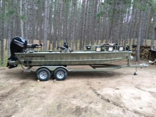 2016 TRACKER BOATS GRIZZLY® 2072 MVX CC for sale