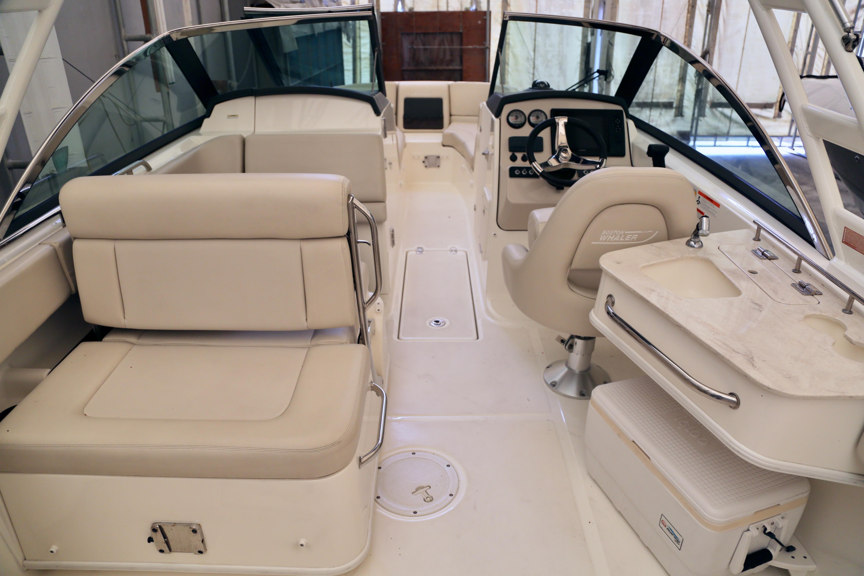 2014 Boston Whaler 230 Vantage – Union Marine