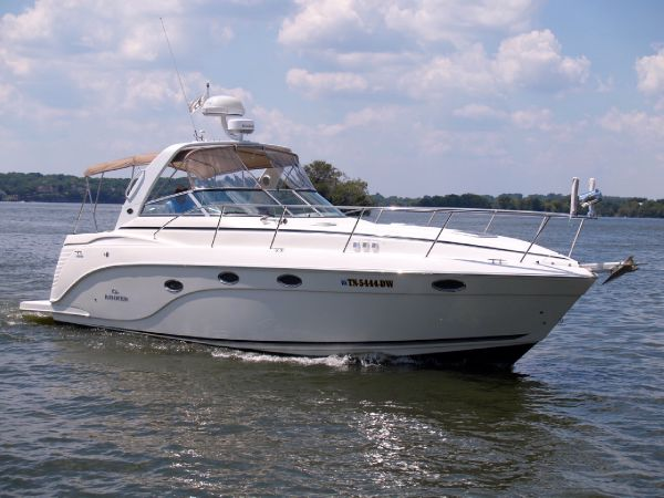 36' Rinker 360 Express Cruiser