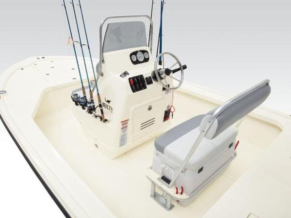 2020 Mako boat for sale, model of the boat is 18 LTS & Image # 9 of 45