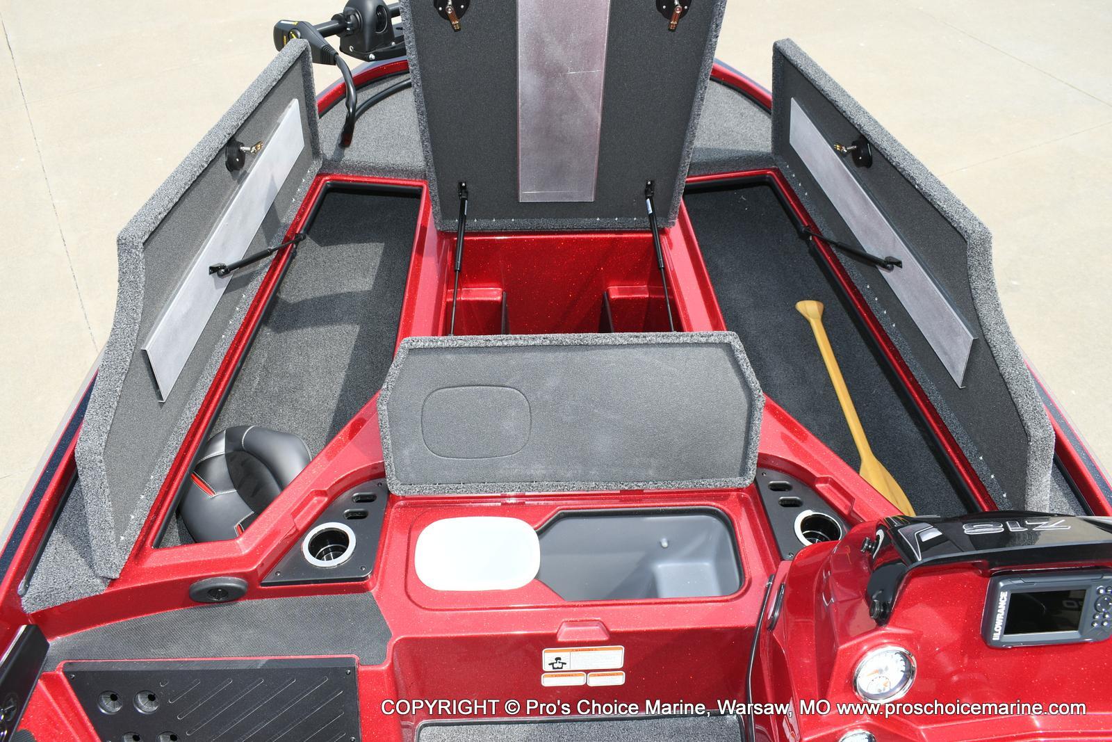 2020 Nitro boat for sale, model of the boat is Z18 & Image # 12 of 50