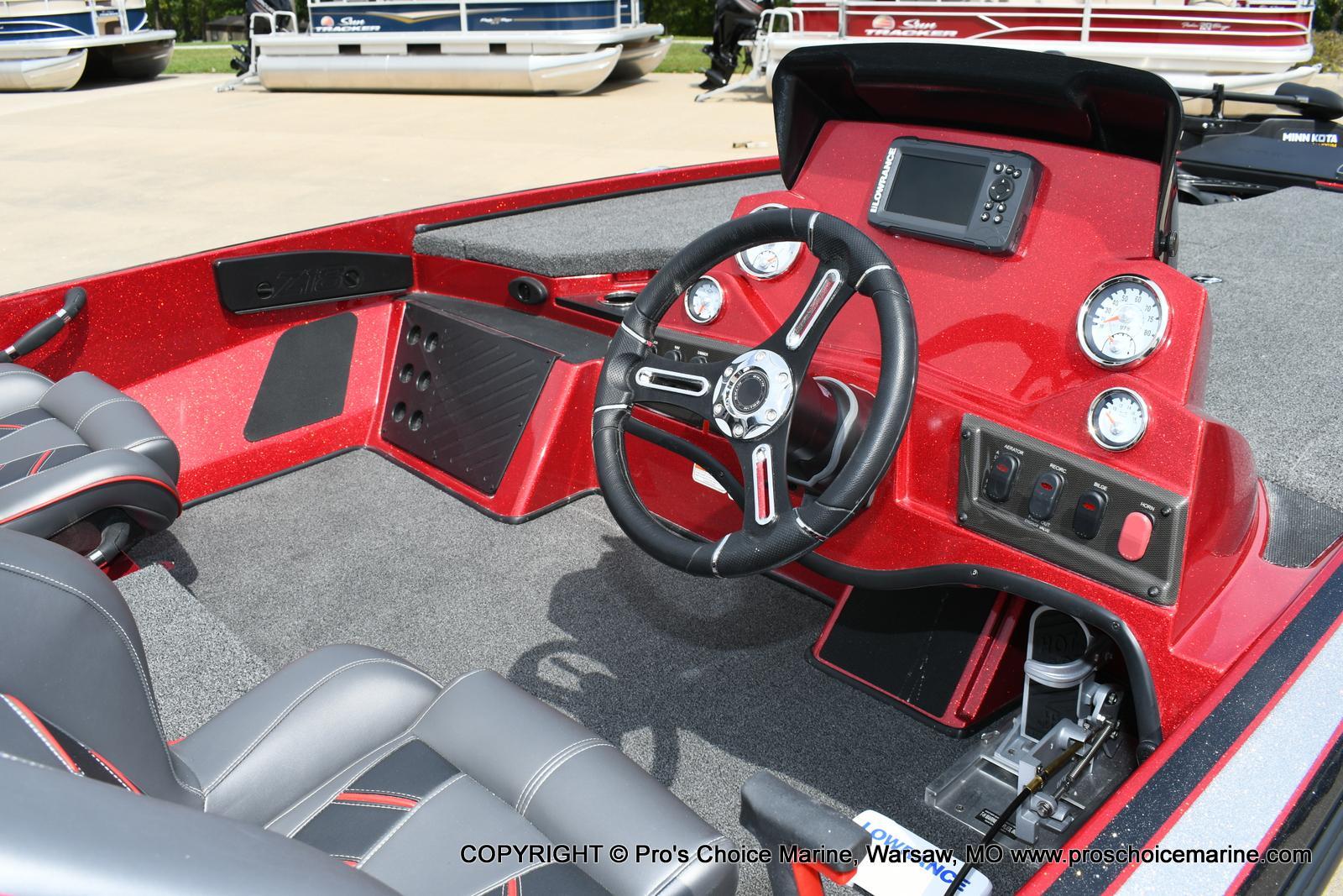 2020 Nitro boat for sale, model of the boat is Z18 & Image # 5 of 50