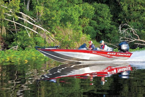 2013 Tracker Boats boat for sale, model of the boat is Pro Team 175 TXW & Image # 4 of 32