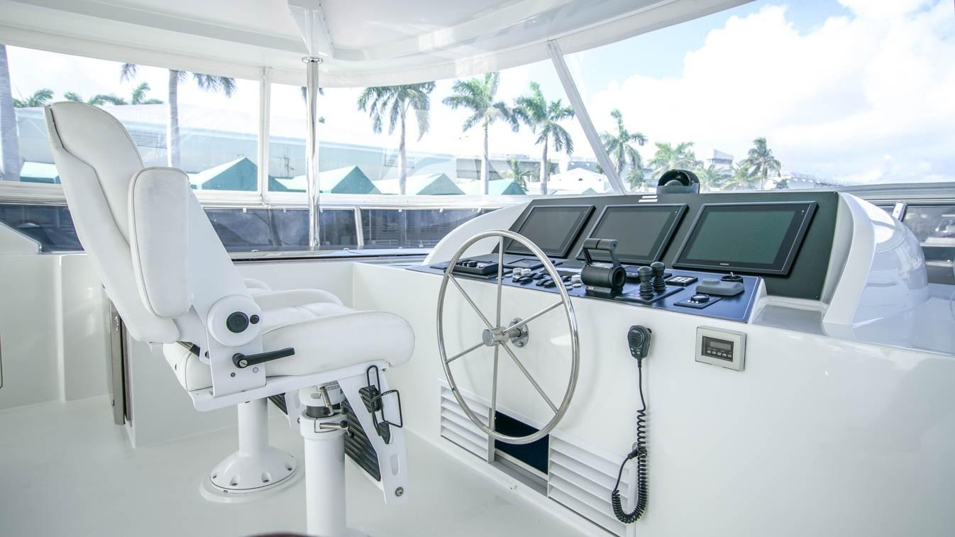 Flybridge Helm Station