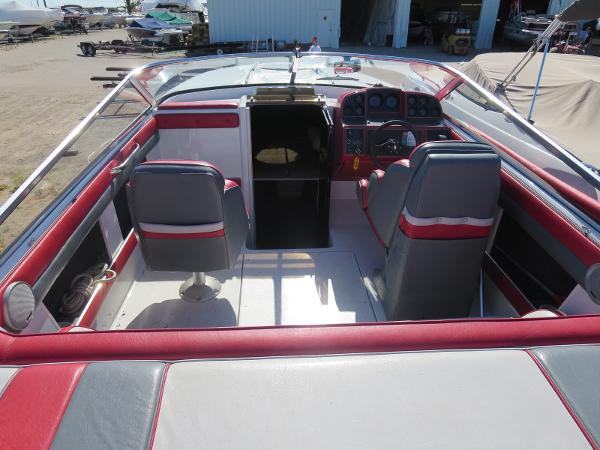 1989 Four Winns boat for sale, model of the boat is 251 Liberator & Image # 7 of 26