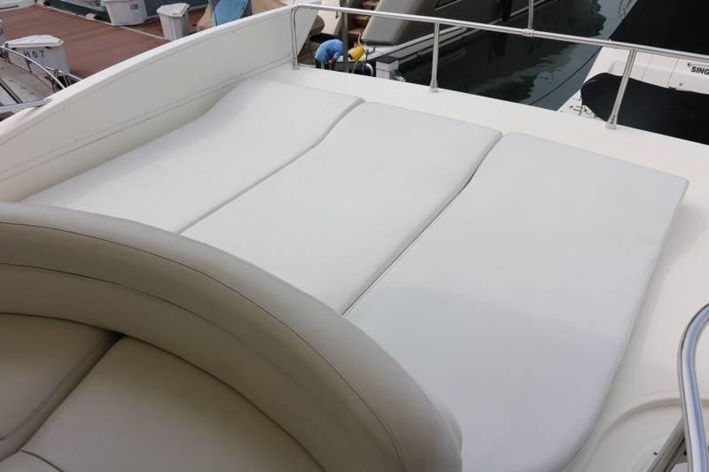 Sun pads on aft of fly