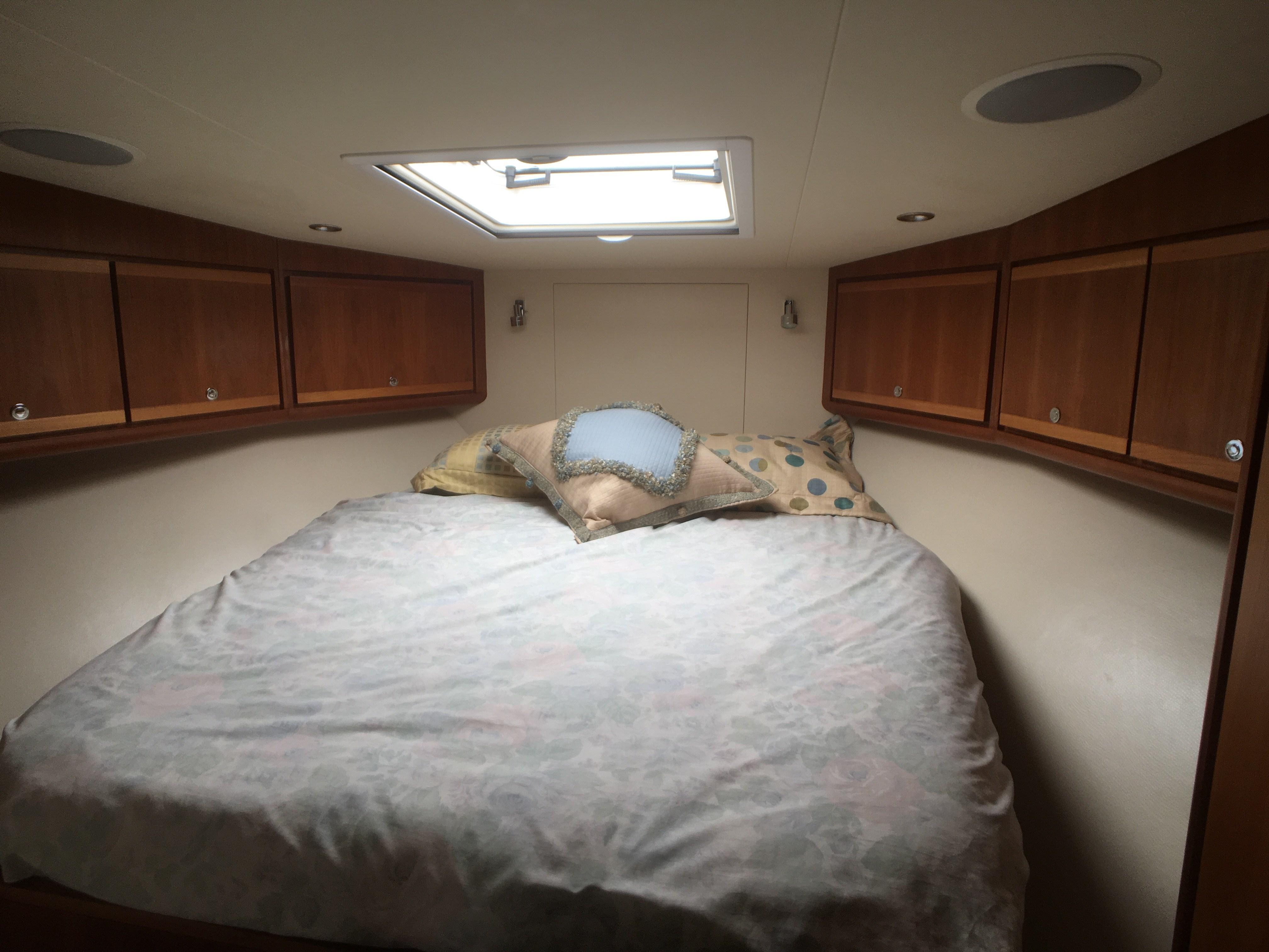 Bertram 510 Cabin