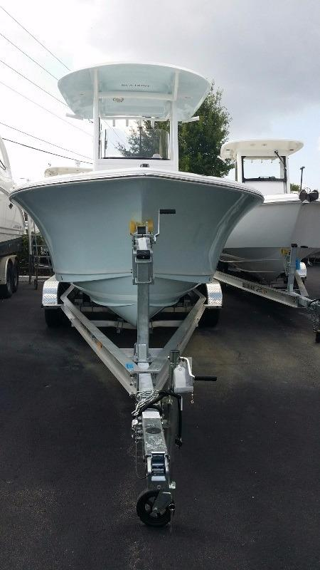 2016 Sea Hunt Ultra 235 SE