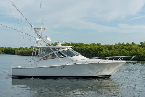2011 42' Viking 42 Open
