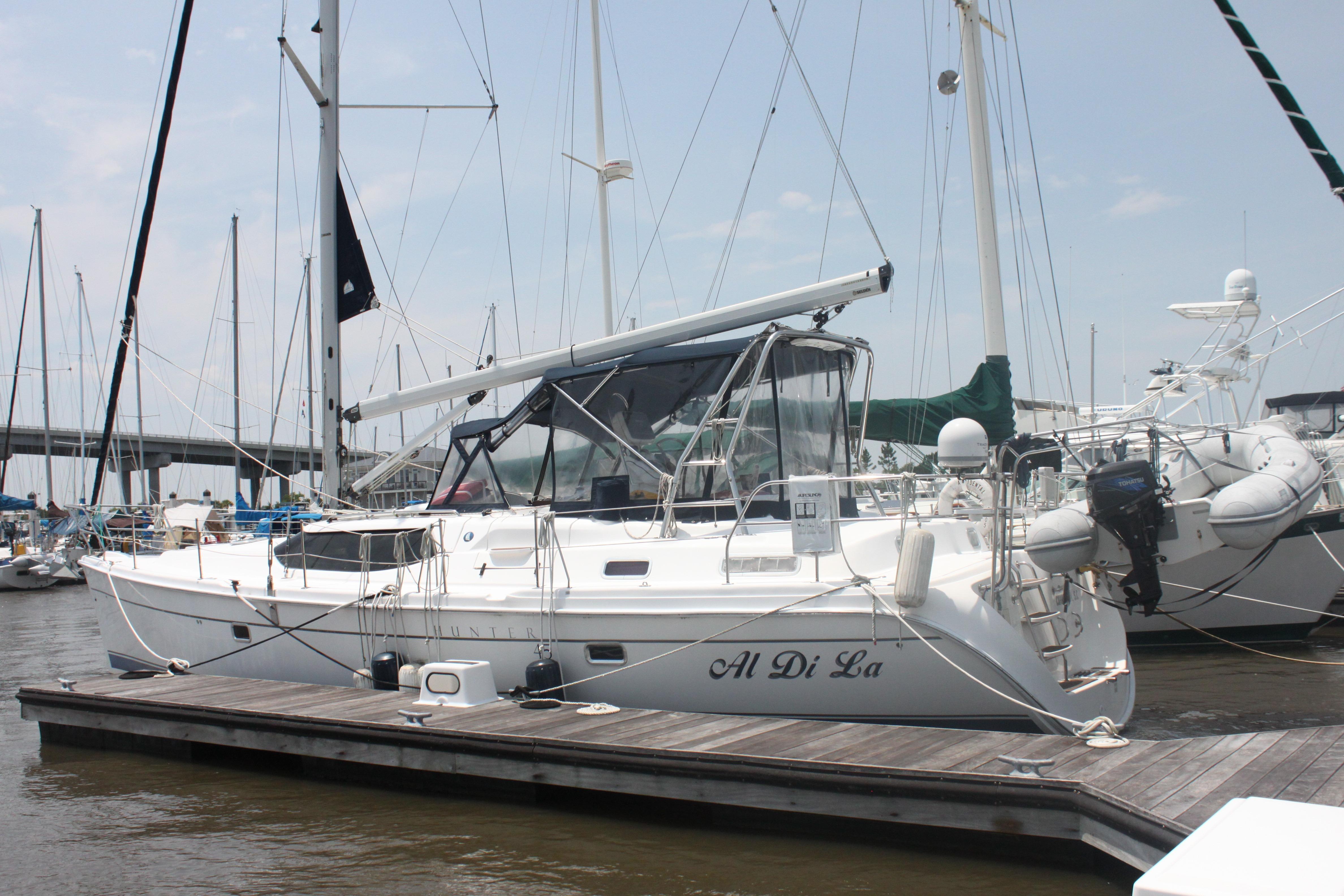 2008 Hunter 45 Center Cockpit | Sailboats for Sale