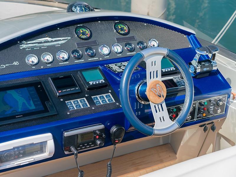 Imago 48 - Helm Station