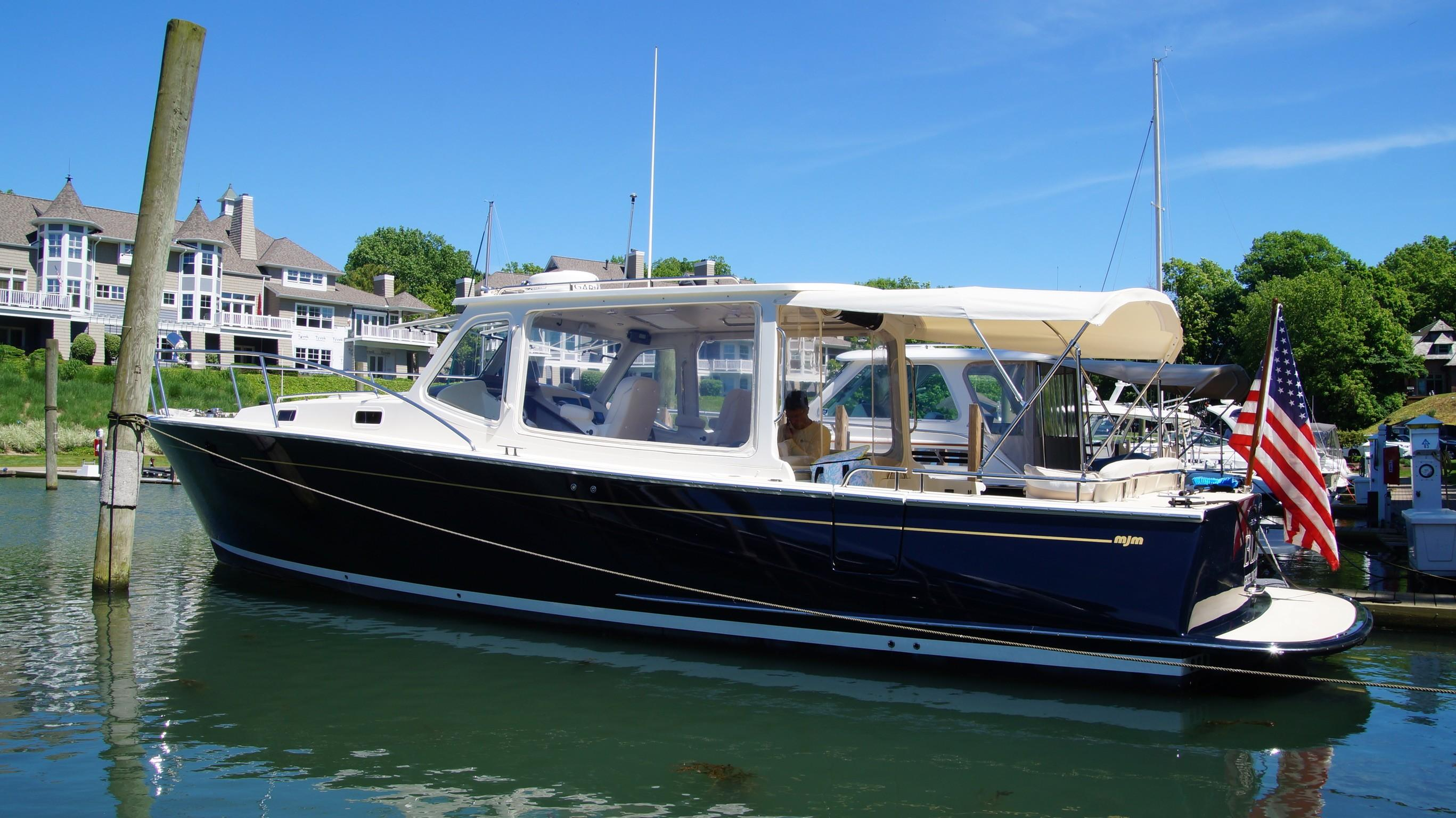 39' MJM Yachts 2013