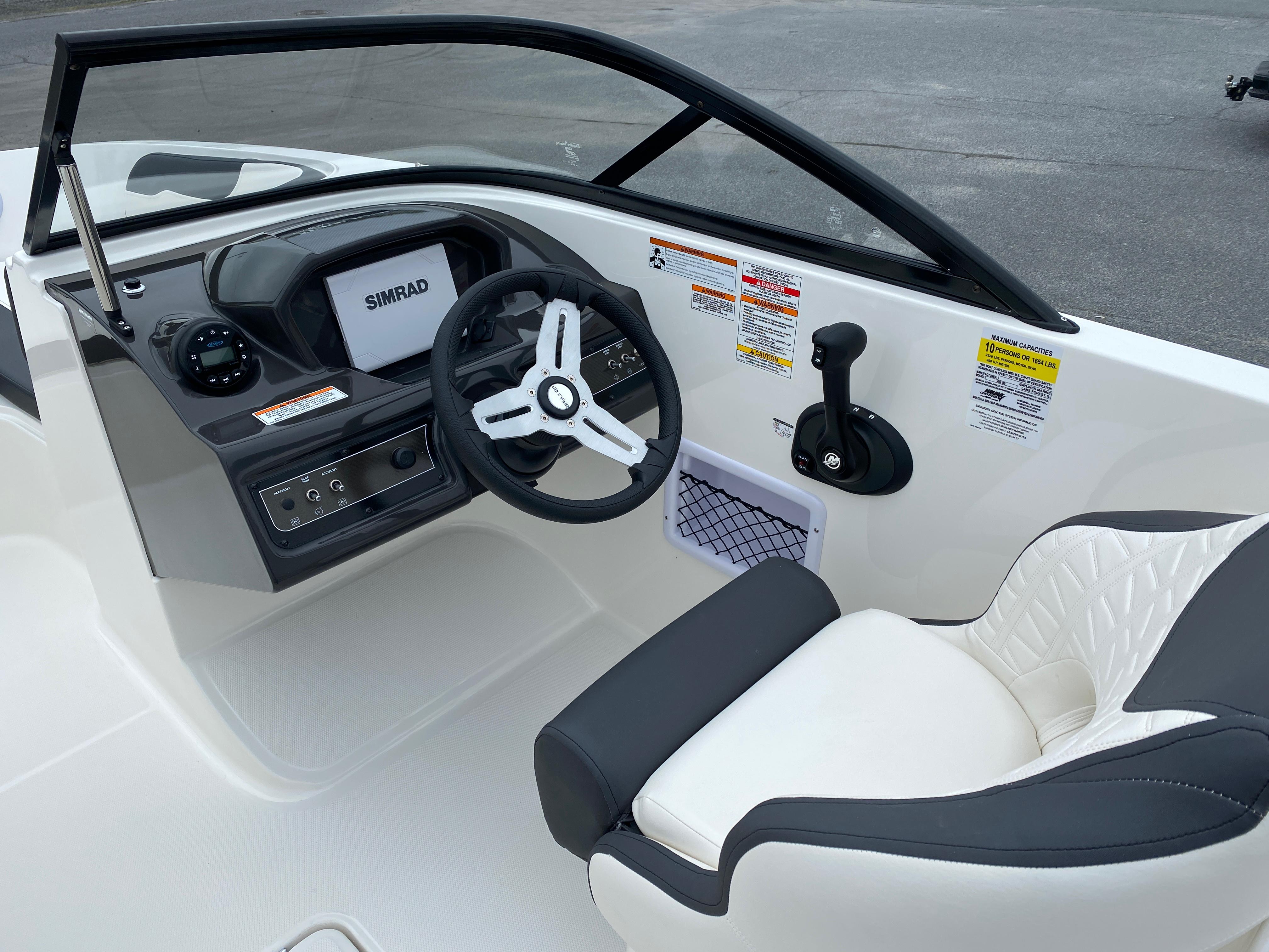 2020 Bayliner boat for sale, model of the boat is VR6 Bowrider & Image # 12 of 14