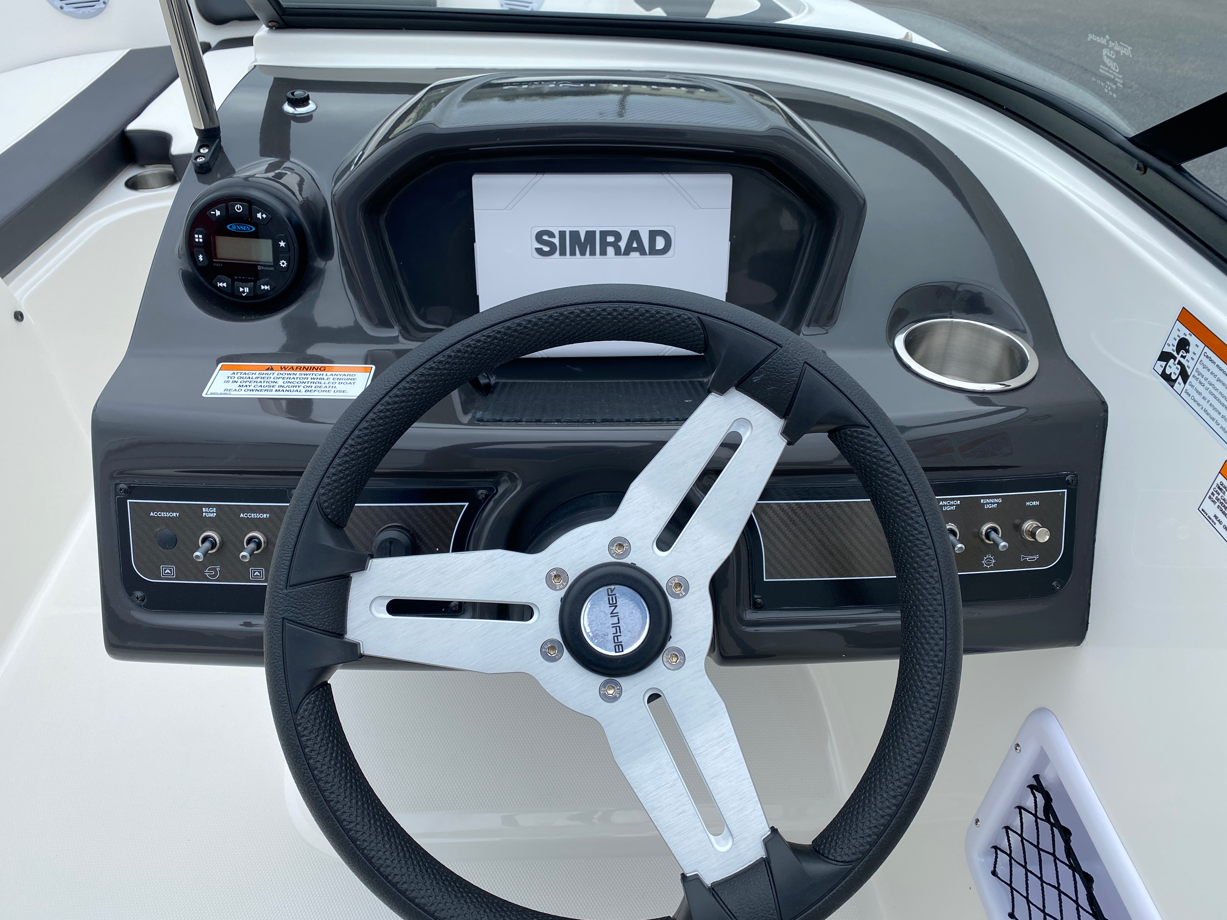 2020 Bayliner boat for sale, model of the boat is VR6 Bowrider & Image # 13 of 14