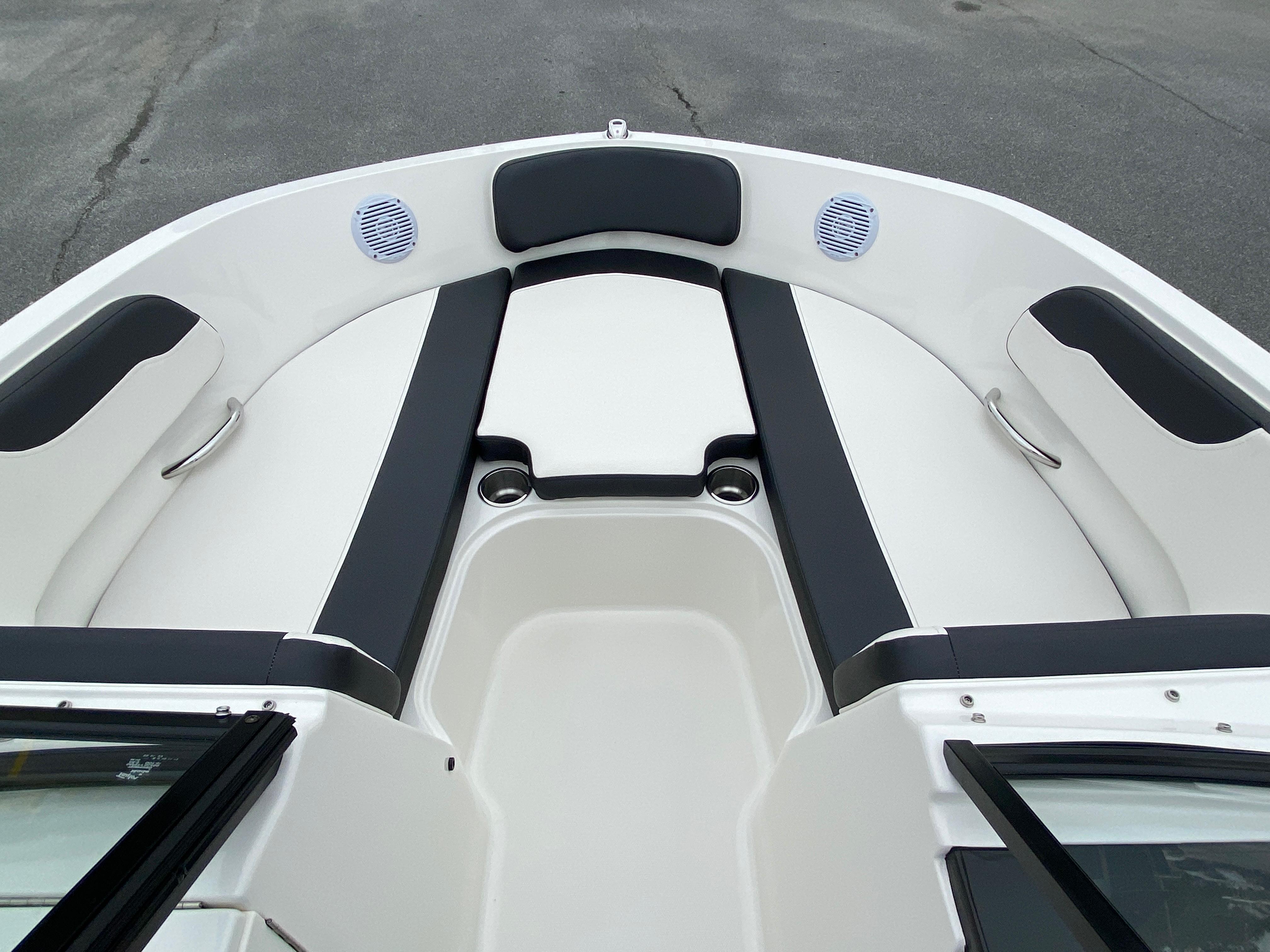 2020 Bayliner boat for sale, model of the boat is VR6 Bowrider & Image # 8 of 14