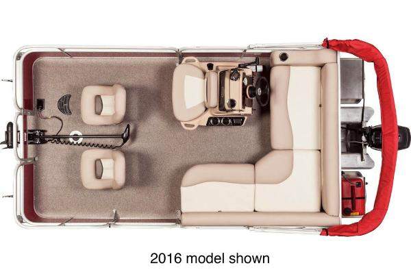 2017 Sun Tracker boat for sale, model of the boat is Bass Buggy 16 DLX & Image # 3 of 3