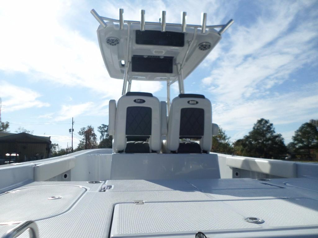 New  2018 28' Blue Wave 2800 Pure Hybrid Center Console in Slidell, Louisiana