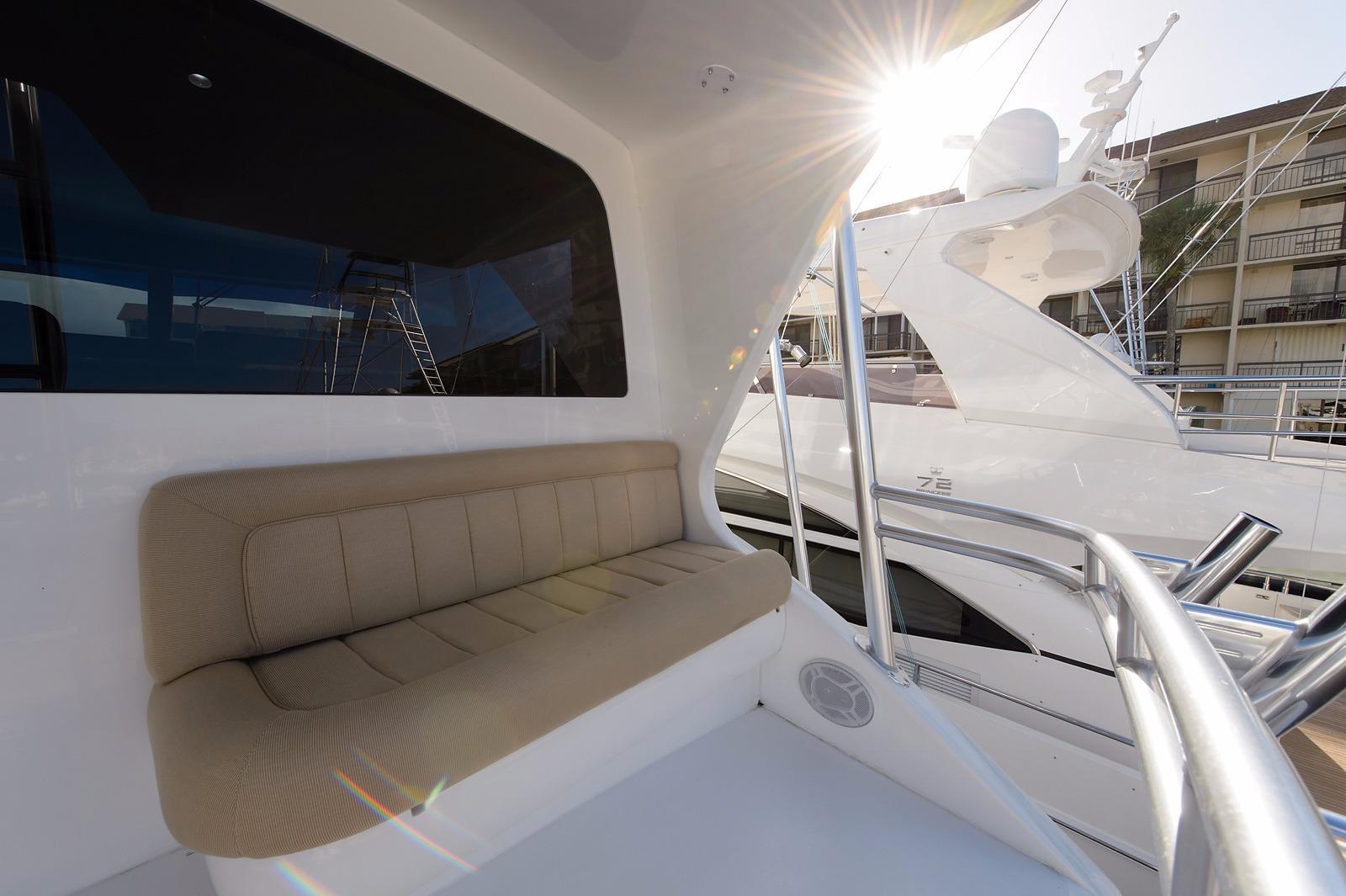 Enclosed FB Aft Deck