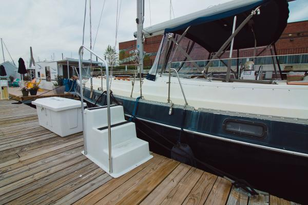Morgan Out Island 41 Brokerage Purchase
