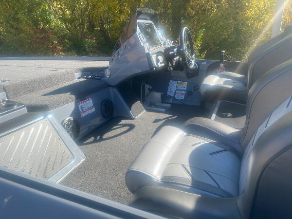 2021 Nitro boat for sale, model of the boat is Z19 & Image # 5 of 49