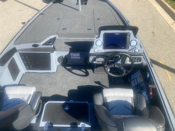 2021 Nitro boat for sale, model of the boat is Z19 & Image # 7 of 49