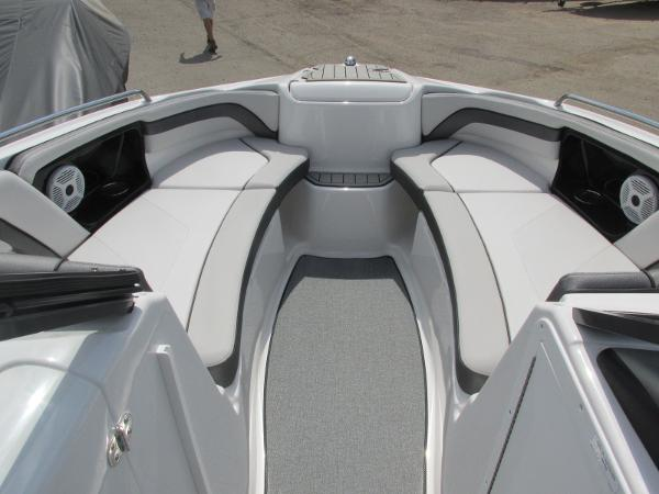 2020 Yamaha boat for sale, model of the boat is AR240 & Image # 8 of 35
