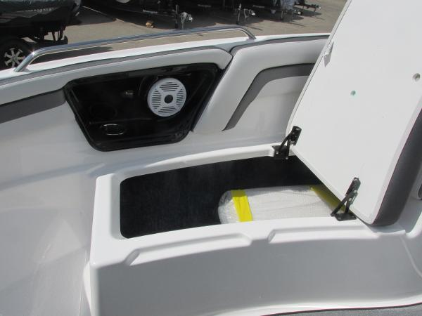 2020 Yamaha boat for sale, model of the boat is AR240 & Image # 12 of 35
