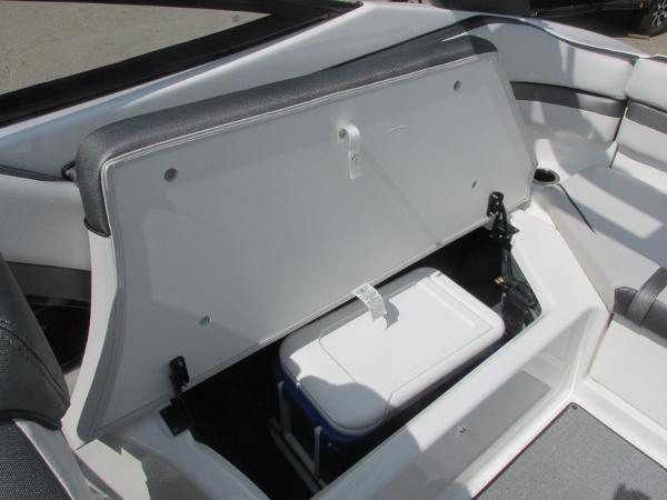 2020 Yamaha boat for sale, model of the boat is AR240 & Image # 16 of 35