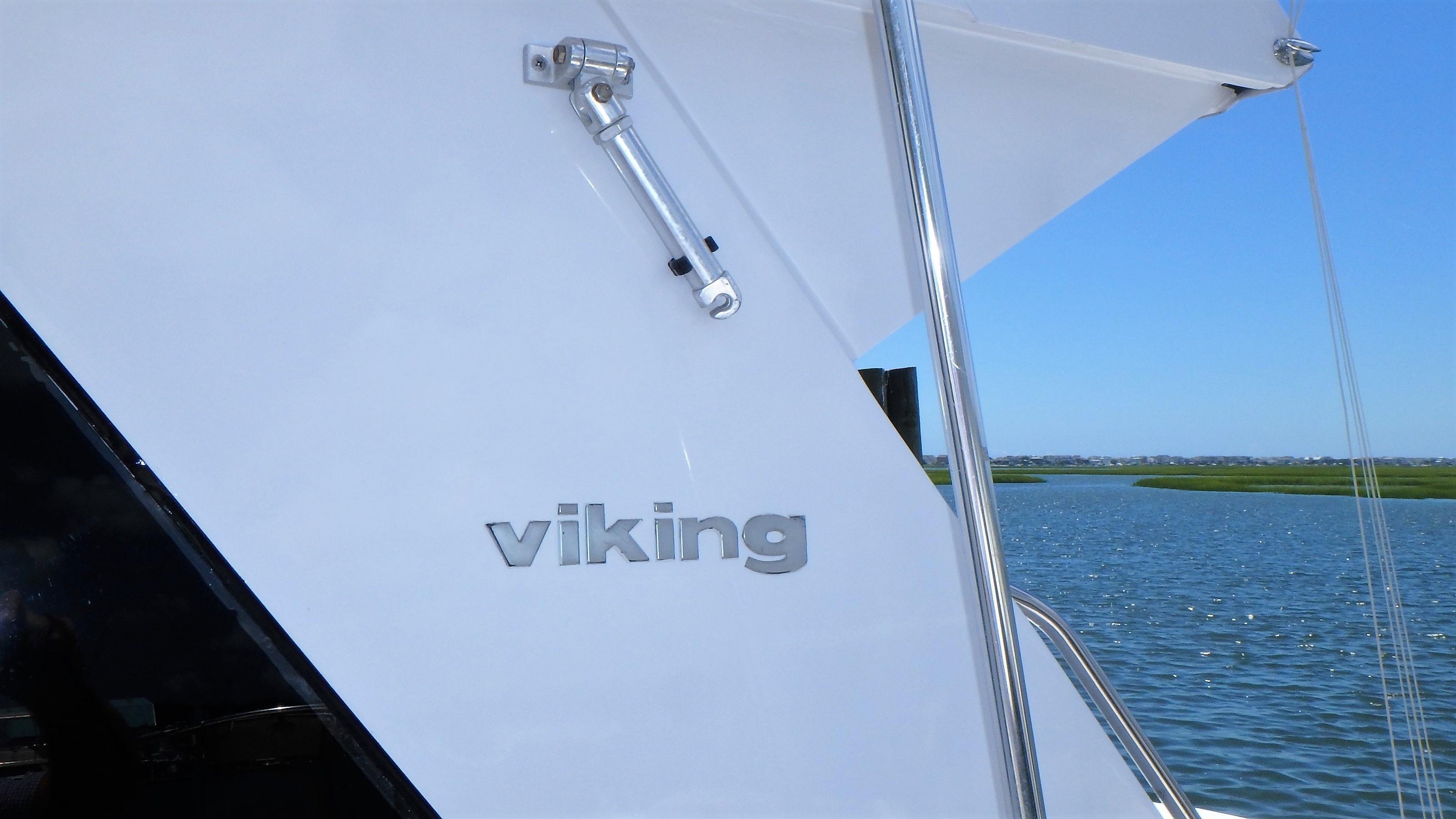 Viking 46 Convertible - Photo: #8