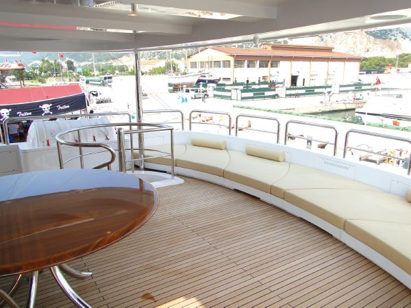 136 Hargrave Aft Sky Lounge