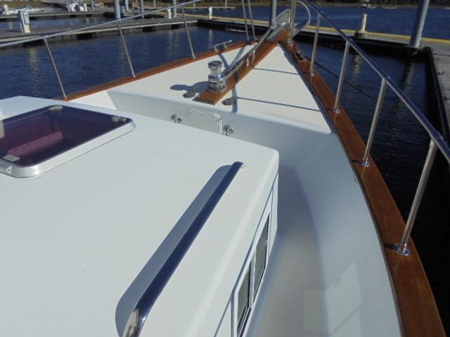 Custom 36 Yukon Trawler - Foredeck