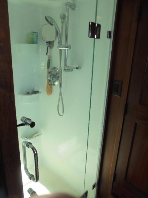 Custom 36 Yukon Trawler - Large Shower Stall in MSR