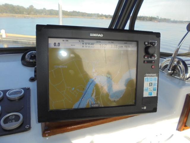 Custom 36 Yukon Trawler - Simrad Color GPS